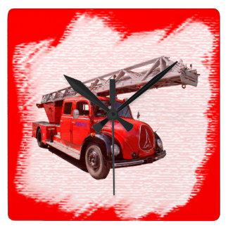Feuerwehr-Drehleiterwagen Quadratische Wanduhr