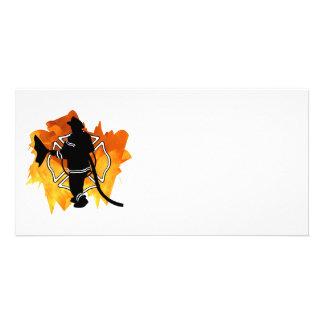 Feuerwehrmann in den Flammen Fotogrußkarten