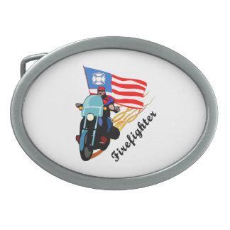 Feuerwehrmann-Radfahrer Ovale Gürtelschnallen