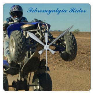 Fibromyalgia-Reiter-Uhr Quadratische Wanduhr
