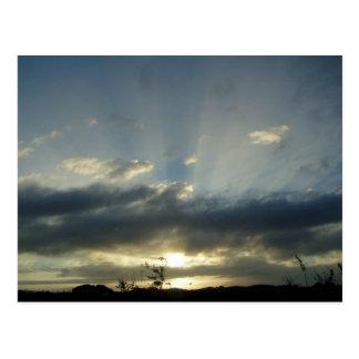 Fidschi-Himmel voll der Wolken Postkarte