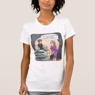 Finden des rechten BH-Licht-T - Shirt