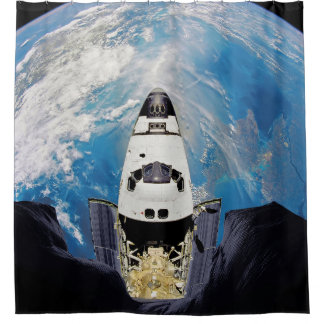 Fisch-Augen-Ansicht-Raumfähre-Atlantis-Umlaufbahn Duschvorhang