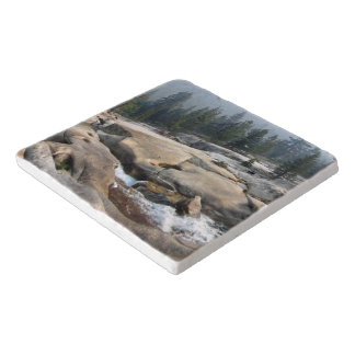 Fisch-Nebenfluss-Wasserfälle im Kaskaden-Tal - Töpfeuntersetzer