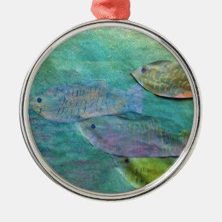 Fische, die ungefähr schwimmen silbernes ornament
