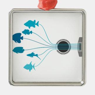 Fischen Sie eine Gitarre Quadratisches Silberfarbenes Ornament