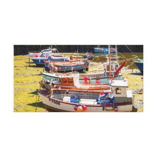 Fischerboote an den Gezeiten heraus Leinwanddruck