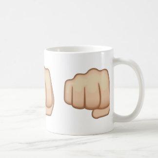 Fisted Handzeichen Emoji Kaffeetasse