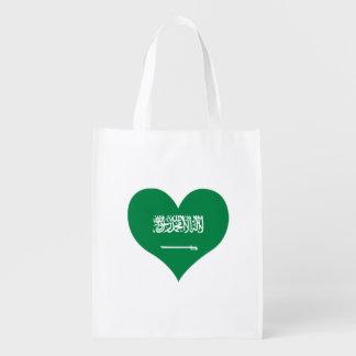 Flagge des Saudis auf Metallhintergrund