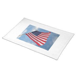 Flagge kennzeichnet stofftischset