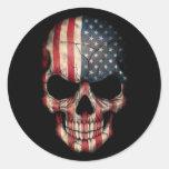 Flagge-Schädel auf Schwarzem Runde Aufkleber