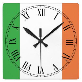 Flagge von Irland Quadratische Wanduhr