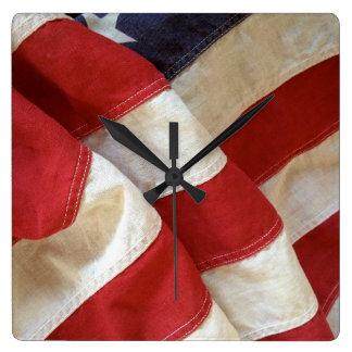 Flaggeansicht Quadratische Wanduhr