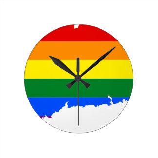 Flaggen-Karte Connecticuts LGBT Runde Wanduhr