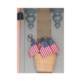 Flaggen und Korb, Martha's Vineyard Hütte Leinwanddruck