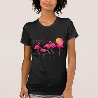 Flamingo-Tango am Sonnenuntergang--T - Shirts u.