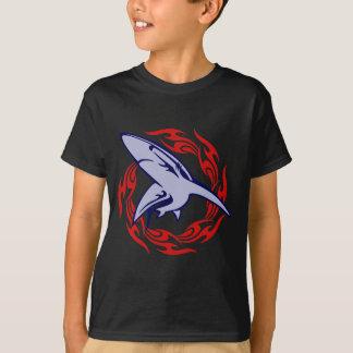 Flammen und Haifisch T-Shirt