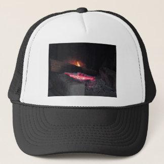Flammenhitze-Helme des hölzernen Feuers, die im Truckerkappe