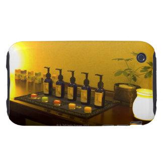 Flaschen Aromatherapie ölen im Schönheitssalon, iPhone 3 Tough Cover