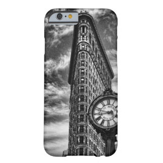 Flatiron Gebäude und Uhr in Schwarzweiss-1C2 Barely There iPhone 6 Hülle