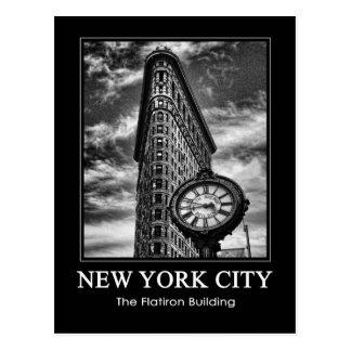 Flatiron Gebäude und Uhr in Schwarzweiss-1C Postkarte