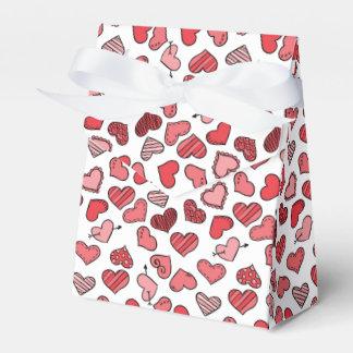 Flatterndes einfaches Valentinsgrußherzmuster Geschenkschachtel