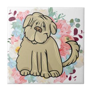 Flaumiger großer Hund mit Blumen Fliese