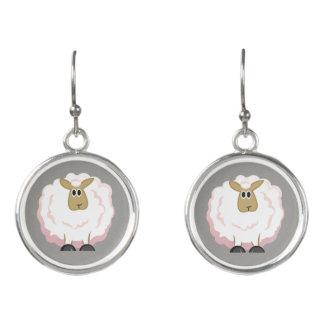 Flaumiger weiße Schaf-Cartoon Ohrringe