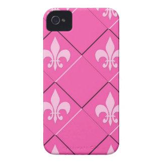 Fleur de Lys und rosa Muster der Quadrate Case-Mate iPhone 4 Hüllen