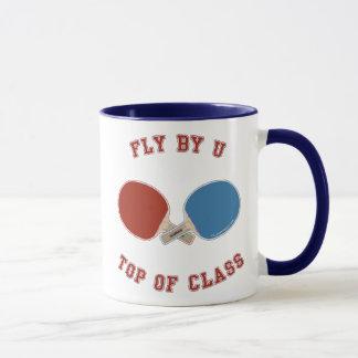 Fliege durch Klingeln Pong Tasse