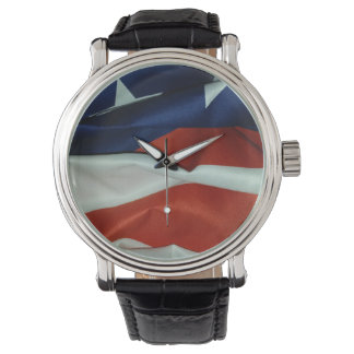 Fliegen-amerikanische Flagge Uhr