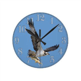 Fliegen-Osprey-u. Fisch-Tier-Fotografie Runde Wanduhr