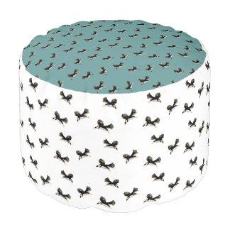 Fliegen-Papageientaucher-Vogel-Muster Hocker