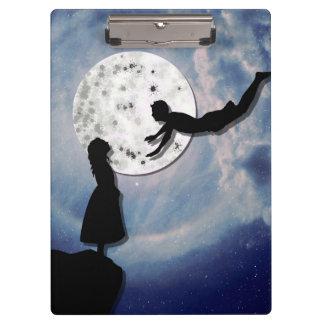 fliegen Sie mich zum Mondpapier-Schnittuniversum Klemmbrett