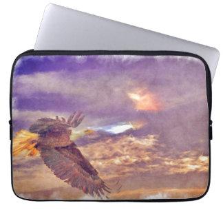 Fliegen-Weißkopfseeadler u. dämmerige Laptopschutzhülle