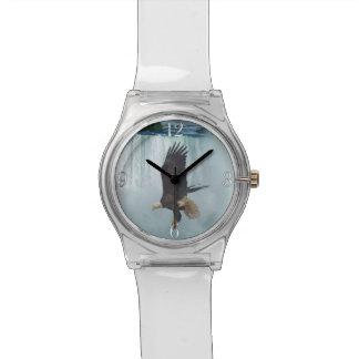 Fliegen-Weißkopfseeadler-u. Wasserfall-Natur-Szene Uhr