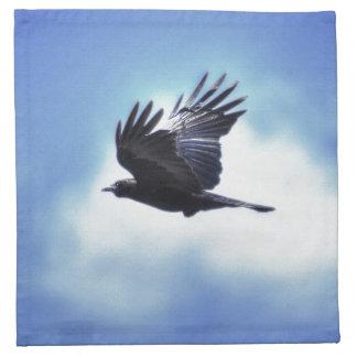 Fliegender Rabe in Foto-Entwurf 2 des blauen Stoffserviette