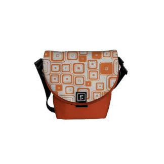 Flippige orange Retro Quadrat-Bote-Tasche Kurier Tasche