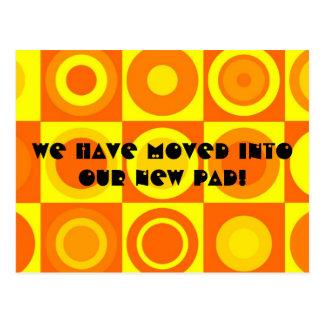 Flippige Retro orange Adressenänderung Postkarte