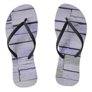 Flippiger moderner Lavendel Staplungsziegelsteine Flip Flops