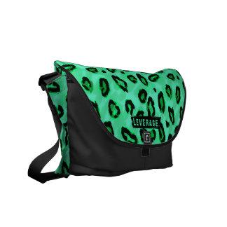 Flippiger schwarzer und grüner Leopard-Bote-Geldbe Kurier Tasche