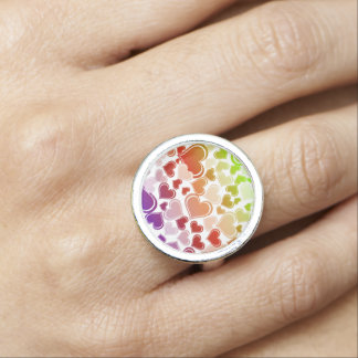 Flippiges helles Herz-Muster Ring