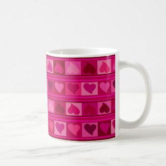 Flippiges Herzen und Quadrate Mozaic | fuschia Kaffeetasse