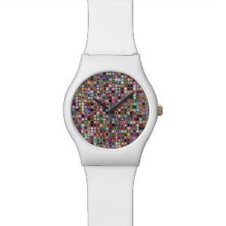 Flippiges Mosaik-Fliesen-Muster mit Juwel-Tönen Uhren