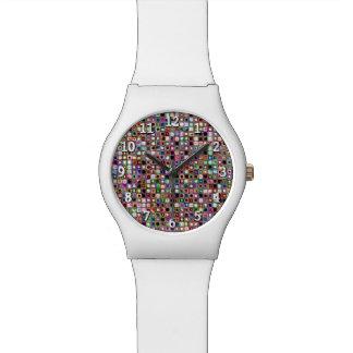 Flippiges Mosaik-Fliesen-Muster mit Juwel-Tönen Uhr