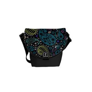 Flippiges Pfau-Farbpaisley-Muster Kurier Tasche