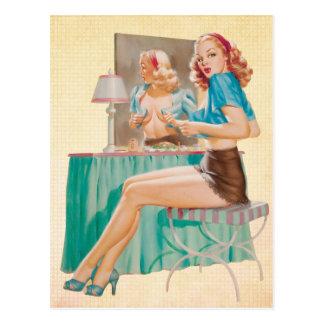 Flüchtiger Blick ein Boo-Button herauf Mädchen Postkarte