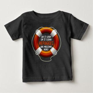 Flüchtlinge begrüßen Baby-dunklen Jersey-T - Shirt