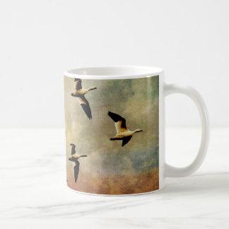 Flug des Snowgeese Kaffeetasse