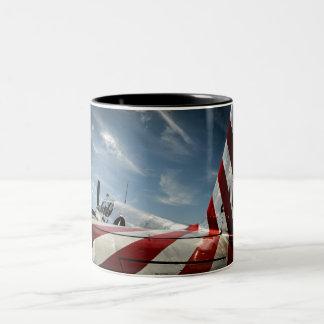 Flügel der Freiheit Zweifarbige Tasse